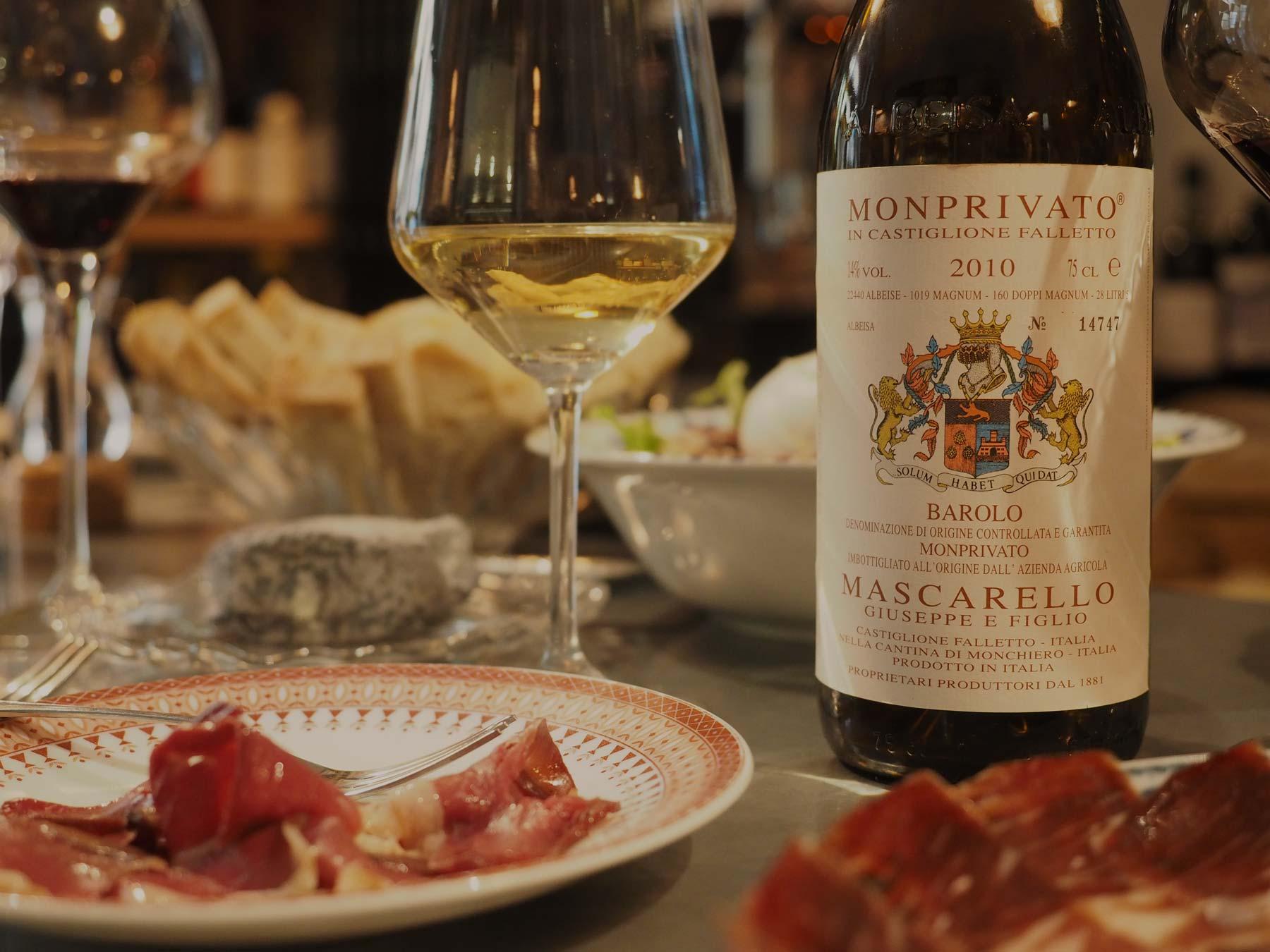 Enoteca al Risanamento Bologna wine shop